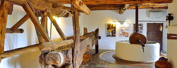 Almazara del Museo de Etnografía de Can Ros