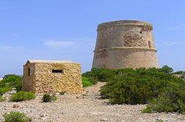 Torre d'en Rovira, en Platges de Comte (Foto: Xescu Prats)